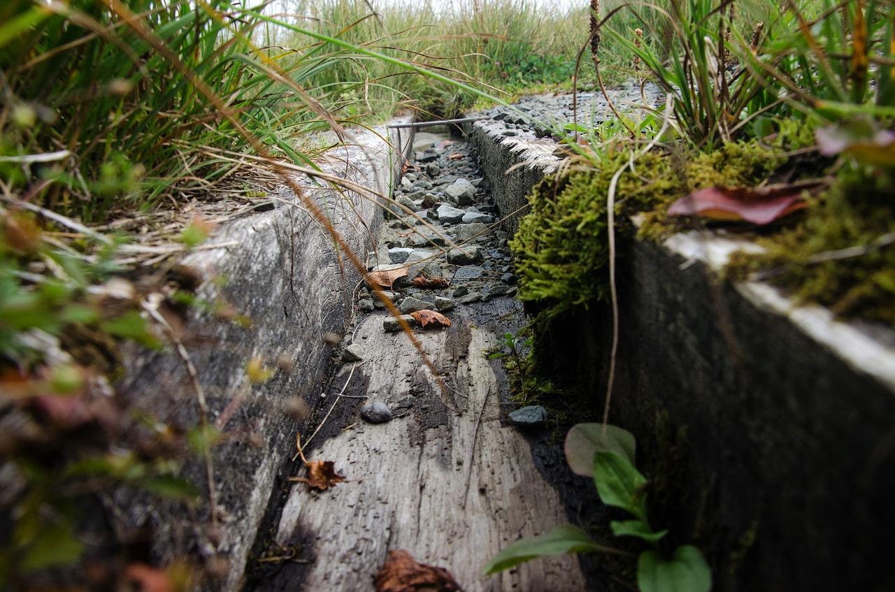 Rozsączanie wody deszczowej: tunel rozsączający, skrzynki rozsączające