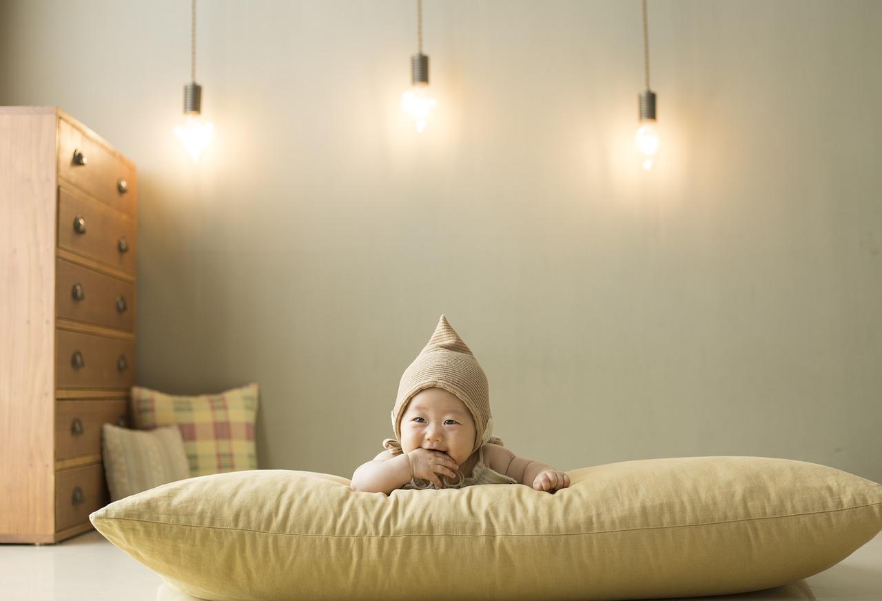 Jakie mebelki są niezbędne w pokoju małego dziecka?